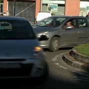 Bientôt des pastilles antipollution sur les pare-brises de voitures