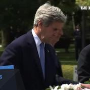 Au Japon, John Kerry rend hommage aux victimes d'Hiroshima