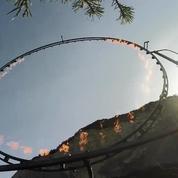 Casse-cou: il traverse un cercle de feu en wingsuit