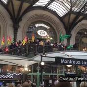 Des cheminots en colère manifestent gare de Lyon à Paris