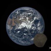 La NASA filme la Lune qui