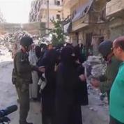 Syrie: Alep sous les bombes, les pourparlers au point mort