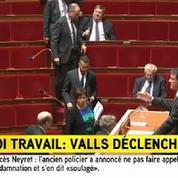 Loi travail: Valls dégaine à nouveau 49-3, les députés de droite quittent l'hémicycle