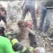 Italie : la course contre la montre des sauveteurs après le séisme