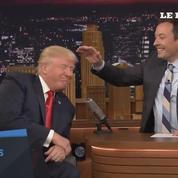 Trump n'a pas de postiche et il le prouve chez Jimmy Fallon !