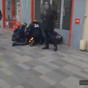 Loi travail : l'uniforme d'un CRS prend feu après le lancement d'un cocktail molotov