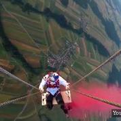 Ils font de la balançoire à 1800 mètres d'altitude entre deux mongolfières