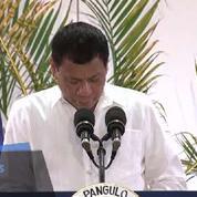 Le président des Philippines a promis à Dieu de ne plus jurer