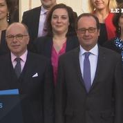 Premier conseil des ministres et photo de famille du gouvernement Cazeneuve