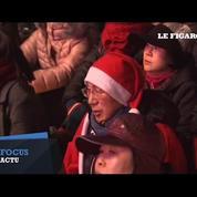 Déguisés en Père Noël, les Sud-Coréens manifestent contre la présidente