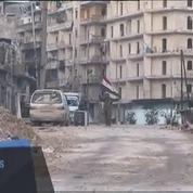 Les soldats de Bachar célèbrent leur victoire au beau milieu des ruines d'Alep