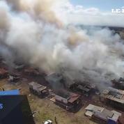 Explosions sur un marché aux feux d'artifice: les dégâts vus du ciel