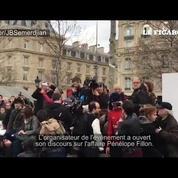 A Paris, un rassemblement contre la corruption sur fond d'affaire Fillon
