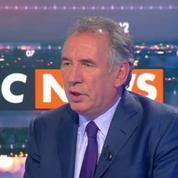 Pour François Bayrou, Manuel Valls ne se reconnaît plus dans le PS de Benoît Hamon