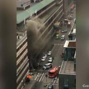Attaque à Stockholm: la vidéo du camion juste après son crash
