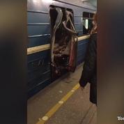 Explosion dans le métro de Saint-Pétersbourg: la porte d'une rame éventrée