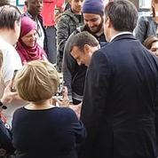 Le président Macron à l'hôpital militaire Percy pour son premier déplacement