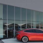 Tesla lance sa Model 3 à l'assaut du grand public