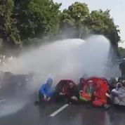 À Hambourg, les anti-G20 poursuivent leurs blocages