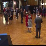 G20: photo de famille des épouses et époux