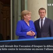 Emmanuel Macron accueille Angela Merkel pour le conseil des ministres franco-allemand