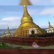 A Myanmar, la montée des eaux engloutit une pagode