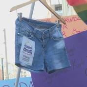 Liberté de se vêtir : manifestation à Istanbul