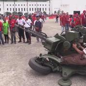 Venezuela : des civils participent à un entraînement militaire