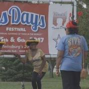 Festival des jumeaux : la ville de Twinsburg voit double
