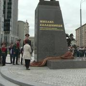 Moscou: une statue de l'inventeur de la kalachnikov inaugurée
