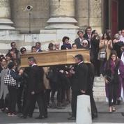 Des célébrités et des anonymes ont rendu un dernier hommage ému à Jean Rochefort