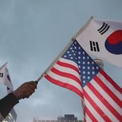 Des manifestations pro et anti Trump à Séoul