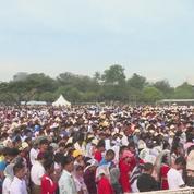 Le pape François célèbre une messe géante et inédite en Birmanie