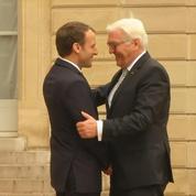 Emmanuel Macron reçoit le président allemand à l'Élysée