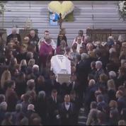 Hommage à Johnny Hallyday : le cercueil sort de l'église