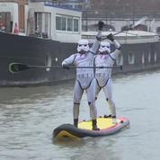 700 participants à une course de stand-up paddle sur la Seine