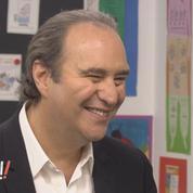 Xavier Niel interviewé par des enfants dans l'émission «Au tableau!» sur C8