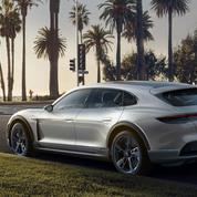 Porsche prend le virage de l'électrique avec la Mission E Cross Turismo