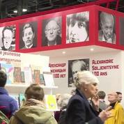 Salon du livre : le stand russe boycotté par Emmanuel Macron