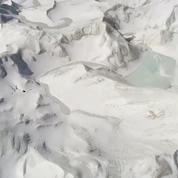 Les images spectaculaires de la fonte d'un glacier à l'Ouest de la Chine