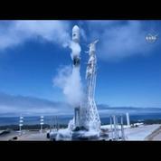 Une fusée de la compagnie spatiale privée SpaceX décolle avec succès
