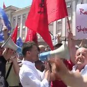 Albanie : l'opposition manifeste contre le ministre de l'Intérieur