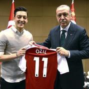 Après sa photo prise aux côtés d'Erdogan, Mesut Özil se retire de la sélection allemande