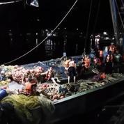 Thaïlande : les recherches pour des survivants se poursuivent après le naufrage d'un bateau de plongée