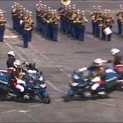 Défilé du 14 juillet : deux motards se percutent devant la tribune présidentielle
