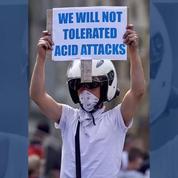 Au Royaume-Uni, cinq hommes inculpés pour l'agression d'un enfant à l'acide