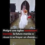 Un couple s'est marié dans une église inondée aux Philippines