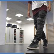 Apprenez à danser le moonwalk comme Michael Jackson en 1 minute