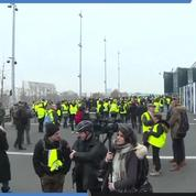 Les images des «gilets jaunes» devant France TV