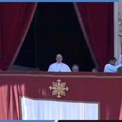 Le message du Pape François devant les fidèles massés sur la place Saint-Pierre
